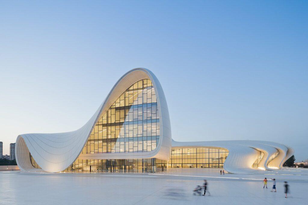 Zaha Hadid: Heydar Aliyev center Baku