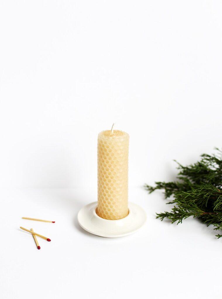 Natale sostenibile: candela in cera d'api fai da te