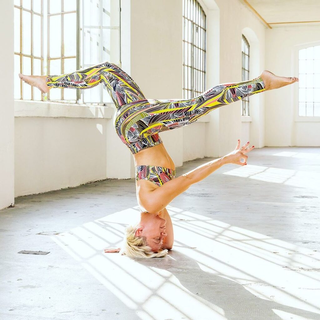 avvicinarsi allo yoga con Elisabetta Artemisia Ferrari