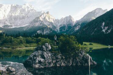 Natura e benessere, rigenerarsi in mezzo al verde: un antidoto allo stress